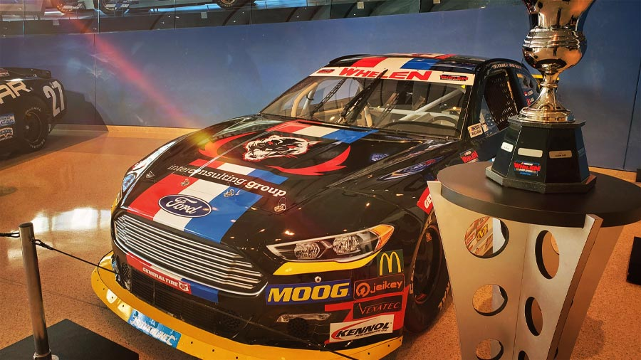 For the 3rd year in a row, KENNOL is honoured to enter the mythical NASCAR Hall of Fame. The NASCAR Awards 2019 took place in Charlotte (USA) last weekend.